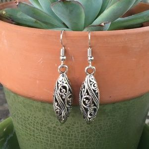 Jewelry - Bali filigree earrings